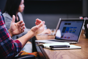 how to hold a hybrid meeting